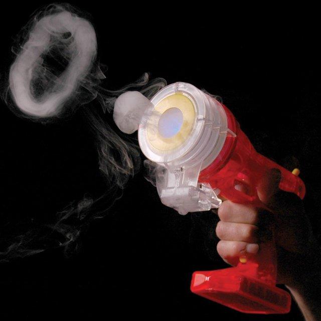 蒸気の輪っかを発射できる銃「Vapor Vortex Generator」