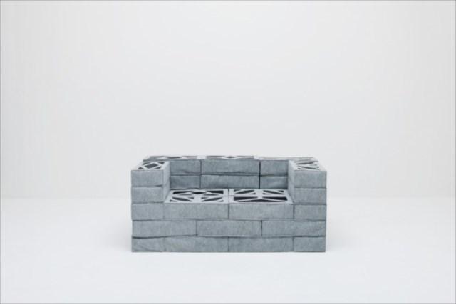硬そうで柔らかい?コンクリートブロックみたいなクッション「soft block」が面白い!