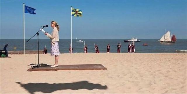 【小ネタ】女性が空中に浮いているかのように錯覚する奇跡の1枚