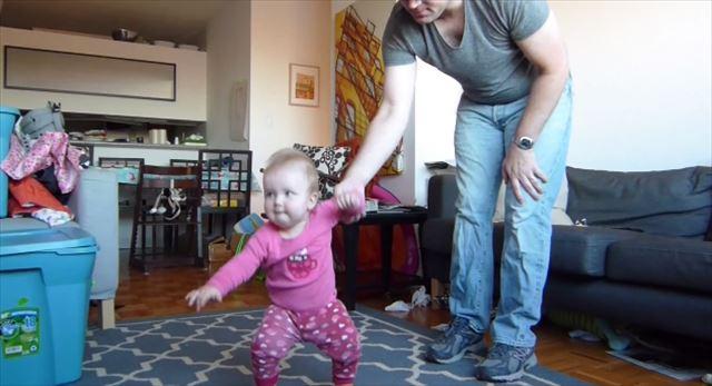 【動画】思わず応援してしまう!赤ちゃんが歩けるようになるまでの練習風景を撮影したタイムラプスムービー