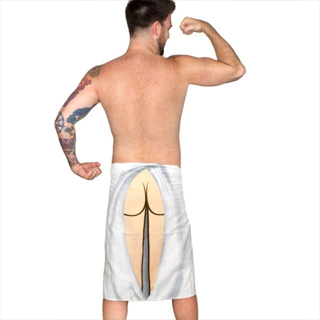 巻いてもお尻が丸見えになるバスタオル「Butt Towel」