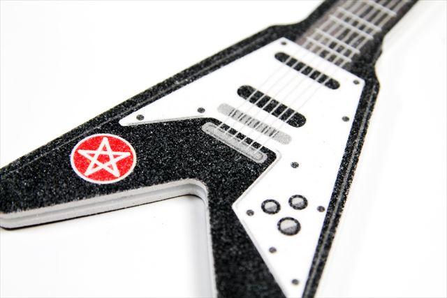 ギターを掻き鳴らしている気分で爪が削れるROCKな爪研ぎ「Rockstar Nails - Nagelfeile」