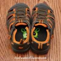 これいいね!子供にきちんと靴を並べて置かせることができるアイデア