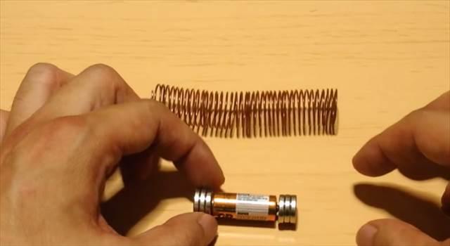 【動画】誰でも簡単にできる!「世界一簡単な構造の電車」の作り方