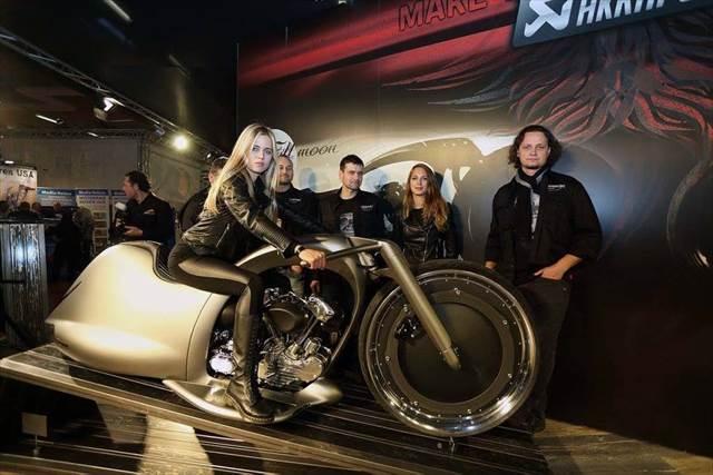 アクラポビッチが発表した未来感が半端ないコンセプトバイク「Full Moon」に一瞬で心を奪われた!
