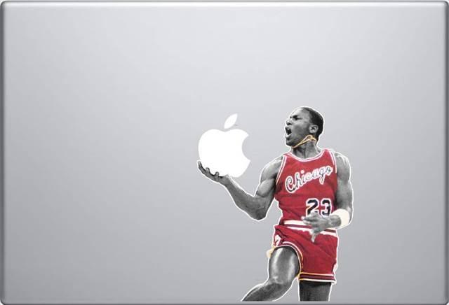 マイケル・ジョーダンがシュートしているように見えるMac用デカール「Michael Jordan MacBook Decal」