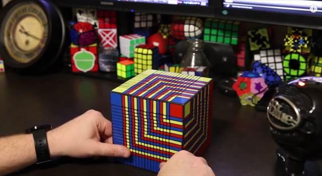 17x17x17の超難解ルービックキューブが解かれるまでの一部始終を収めたタイムラプスムービー