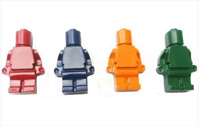 使うのが勿体無いくらいカワイイ-LEGOっぽいクレヨン『Minifig Crayons』