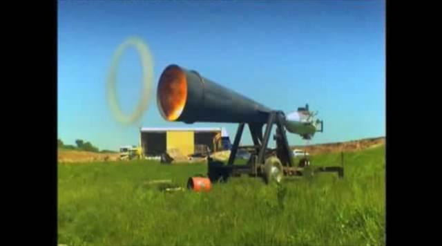 【動画】ドラえもんもビックリ!リアル空気砲の威力が想像以上に凄いぞ!