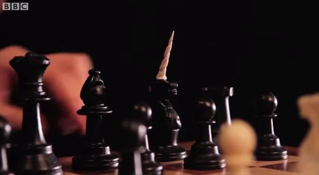 【動画】「正しいチェスのプレイ方法」という動画が斬新過ぎて面白いよw