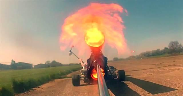 【時速100km】ジェットエンジン搭載の速すぎるゴーカートがヤバイ!