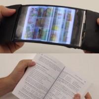 本をめくるような動きで動作する超柔らかいスマートフォン『Reflex Smartphone』