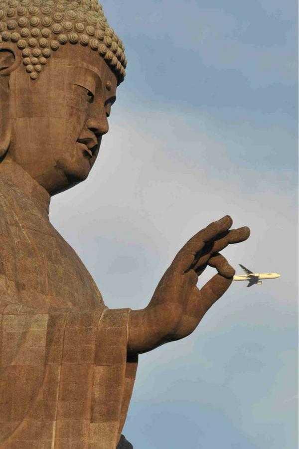 「嗚呼、ご無体な!」偶然撮れた大仏様の画像が凄いw