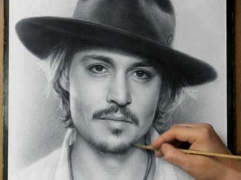 まるで写真のようなクオリティ!ジョニー・デップの肖像画がみるみる完成していく動画が凄い!