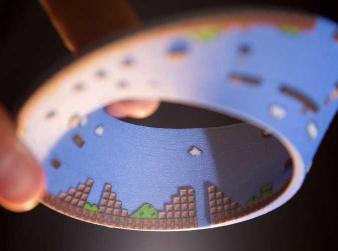 スーパーマリオの1面で作ったメビウスの輪が凄い
