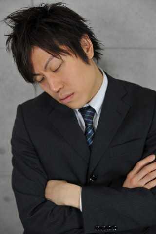 授業や会議で寝てもバレない方法!がTwitterで話題