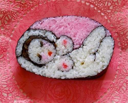 【画像】なんだこの巻き寿司wwww