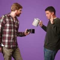 思わず「おい!コーヒーを出せ!」って言っちゃいそうな面白いデザインのマグカップ