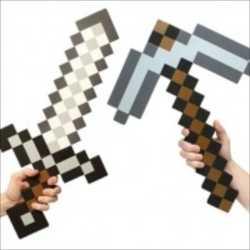 マインクラフトのアイテムが現実の世界に!「Minecraft Foam Sword and Pickaxe」