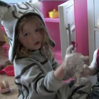 【動画】最後の笑顔が最高に可愛い!思わず「あちゃ~・・・」となる子供の悪戯