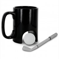 ゴルフのパッティングの練習ができる画期的なマグカップ「Mini Golf Mug」