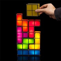 自由な形に組み合わせて置けるテトリス型ランプ「Tetris Stackable LED Desk Lamp」