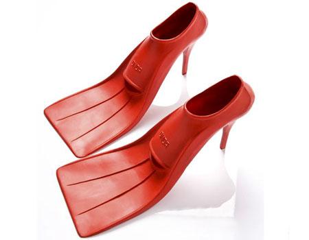 足ヒレ(フィン)みたいなハイヒール「High Tide Heels」