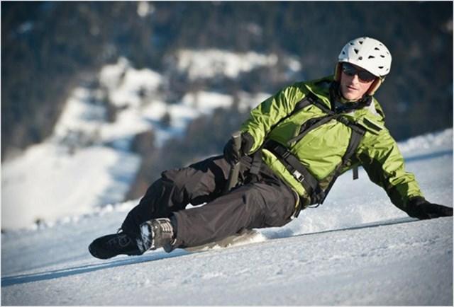 スノボでもスキーでもない「YOONER」っていうスノーカートが超面白そうなんだけど!