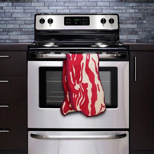 めっちゃ美味しそうw ベーコンにそっくりなタオル「Bacon Kitchen Towel」