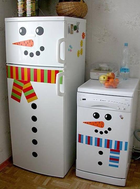 これは素敵!冷蔵庫をスノーマンに変身させるアイデア