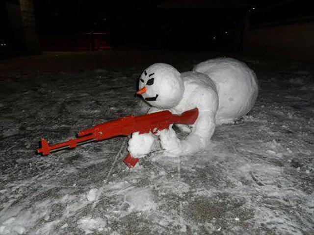 【小ネタ】誰だよこの雪だるま作ったやつwww